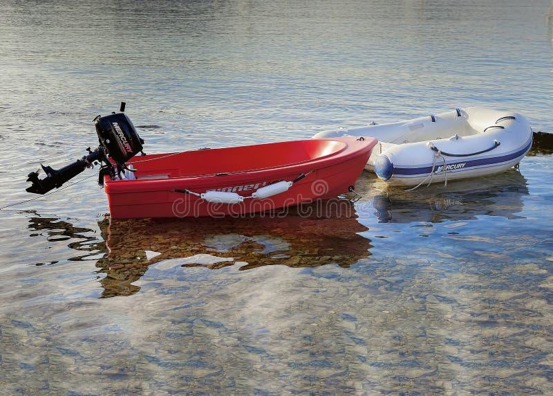 Barcos del bote Aislado Imagen editorial imagen de archivo libre de regalías