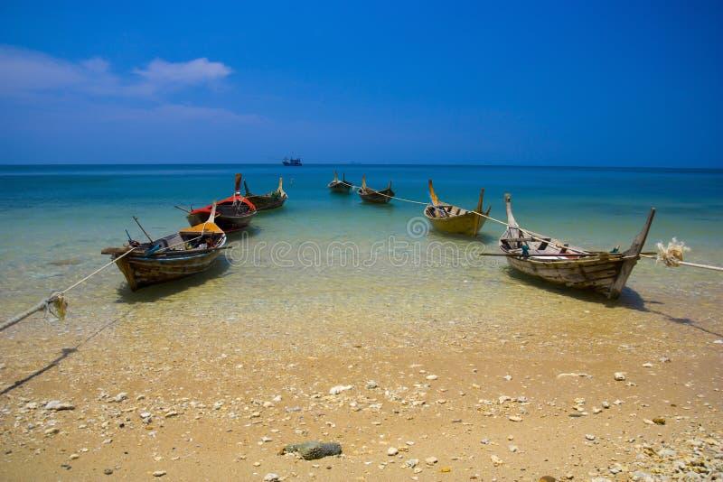 Barcos del pescador en el mar imagen de archivo libre de regalías