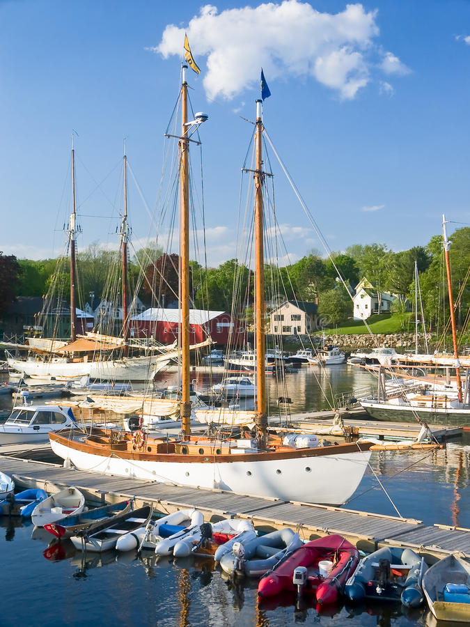 Barcos del puerto, Camden Maine fotografía de archivo libre de regalías
