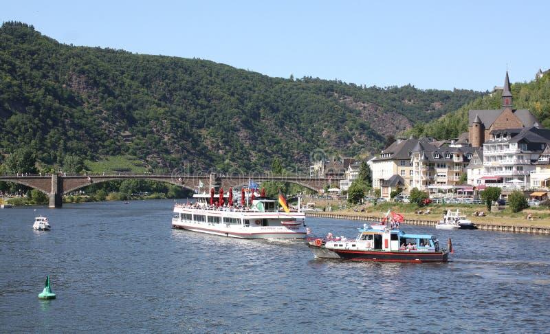 Barcos del viaje en el Mosela foto de archivo libre de regalías