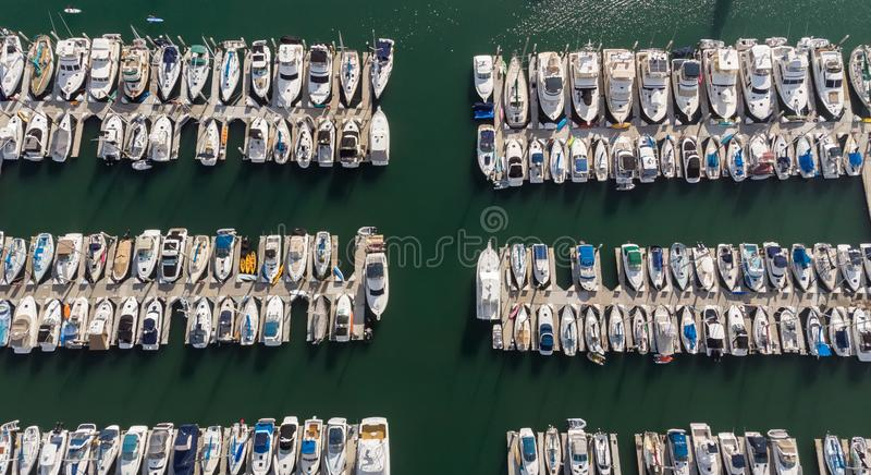 Barcos desde arriba en Dana Point, California foto de archivo
