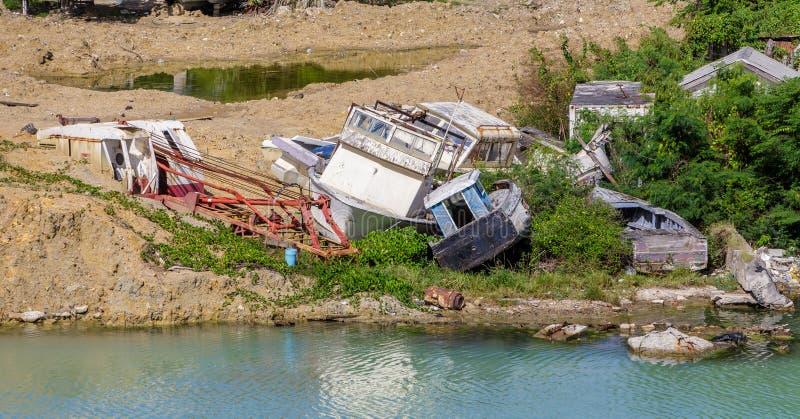 Barcos destruídos do furacão fotos de stock