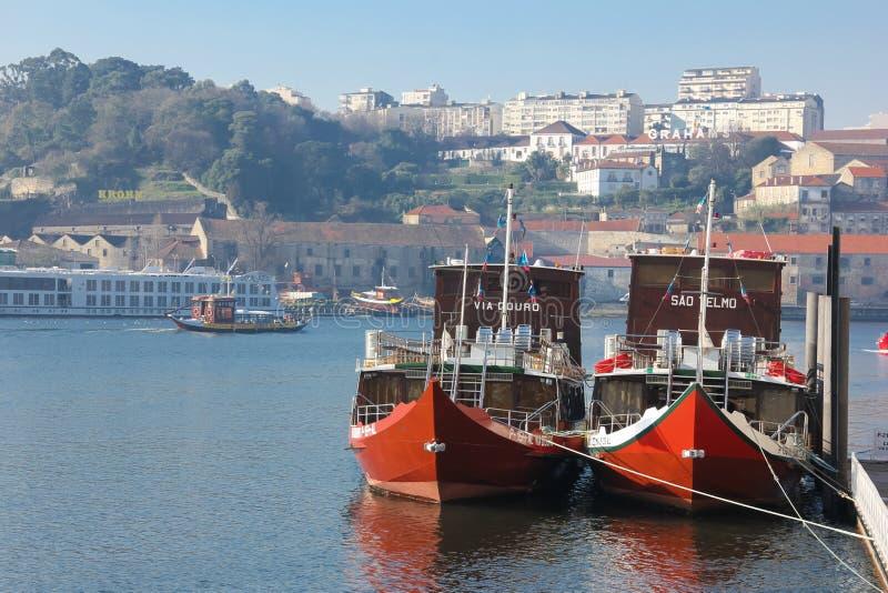 Barcos do cruzeiro entrados. Porto. Portugal foto de stock royalty free
