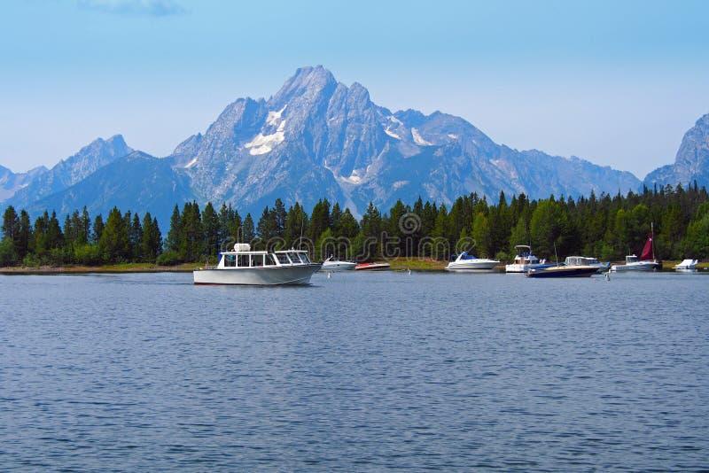 Barcos do lago e de pesca imagens de stock