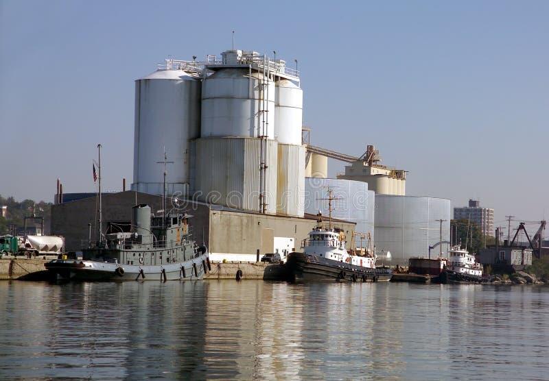 Download Barcos Do Reboque Na Porta De Oswego Imagem de Stock - Imagem de elevador, tanques: 528727