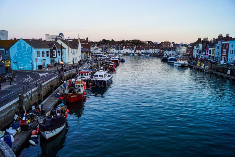 Barcos dos peixes do porto de Weymouth imagens de stock royalty free