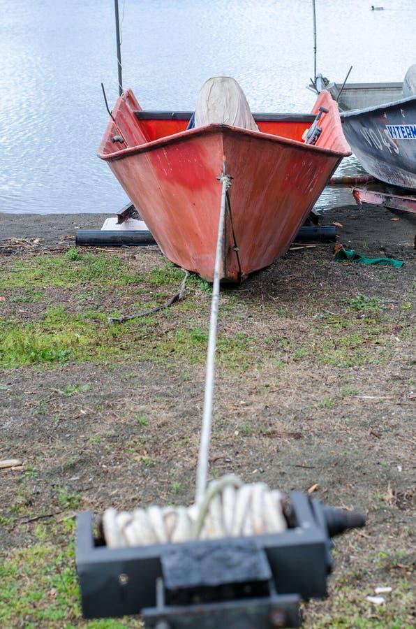 Barcos dos pescadores do lago Bolsena fotos de stock royalty free