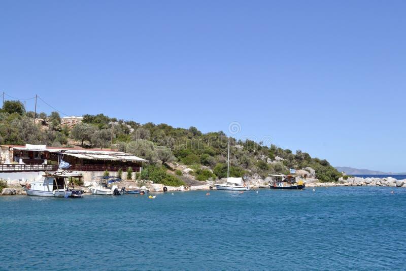 Barcos e uma taberna imagens de stock