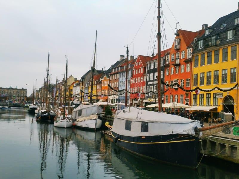 Download Barcos em Copengahen foto de stock. Imagem de parte - 107528530