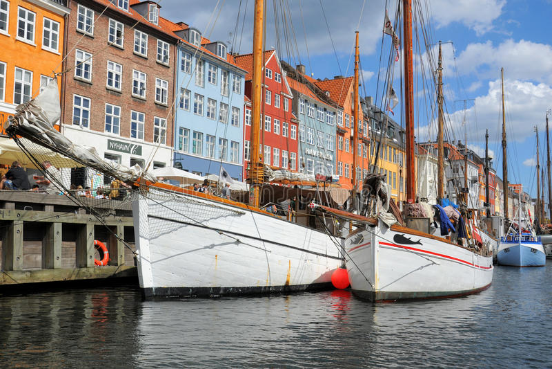 Barcos em Copenhaga, Copenhaga, Dinamarca foto de stock royalty free