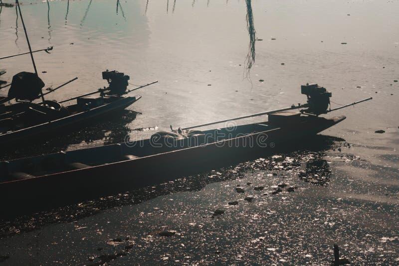 Barcos em um lago fotos de stock