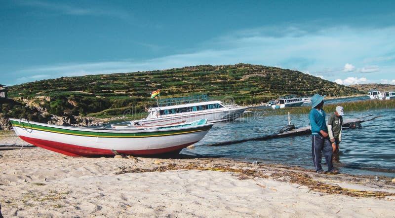 Barcos en Copacabana, Bolivia imágenes de archivo libres de regalías