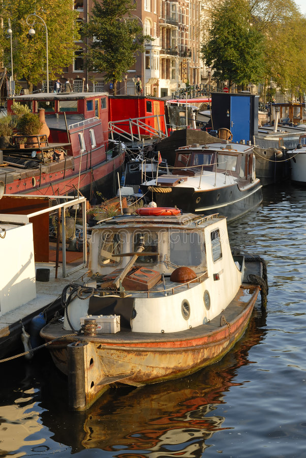 Barcos en el Amstel, Amsterdam foto de archivo libre de regalías