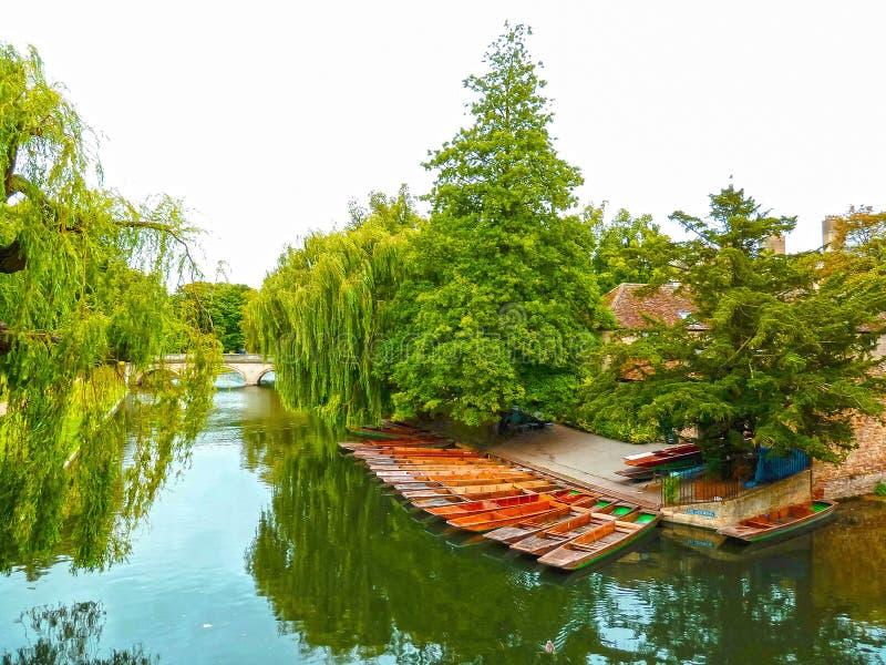 Barcos en el río en Cambridge foto de archivo