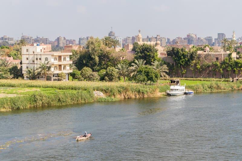Barcos en el río Nilo en El Cairo fotos de archivo