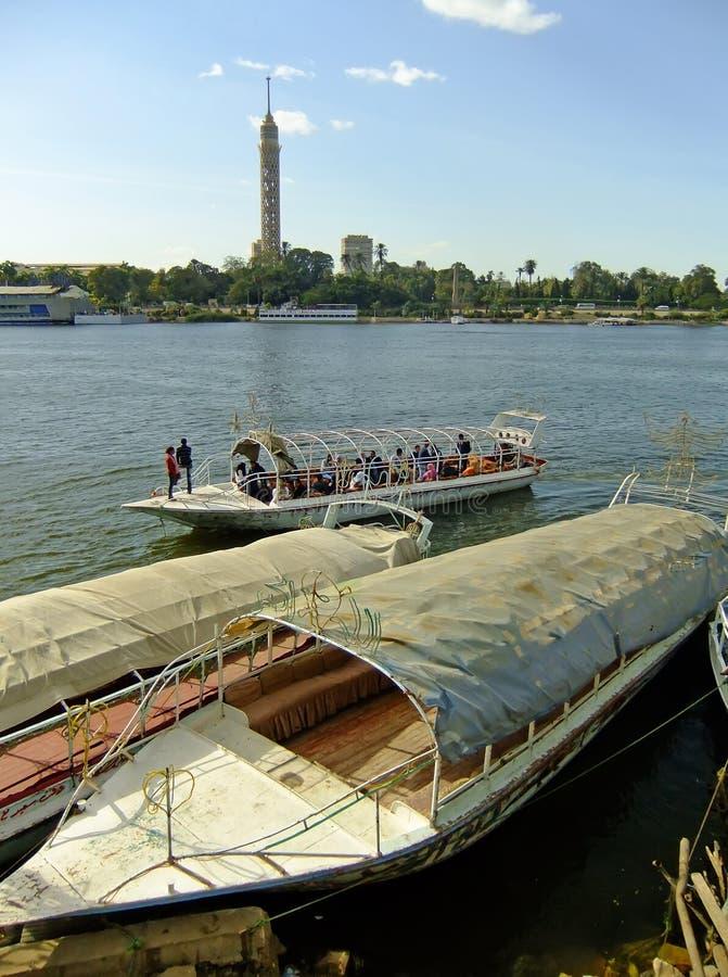 Barcos en el río Nilo, El Cairo imagen de archivo