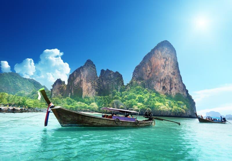 Barcos en la playa de Railay imagen de archivo libre de regalías