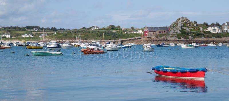 Barcos en puerto del St. Maria, islas de Scilly. imágenes de archivo libres de regalías