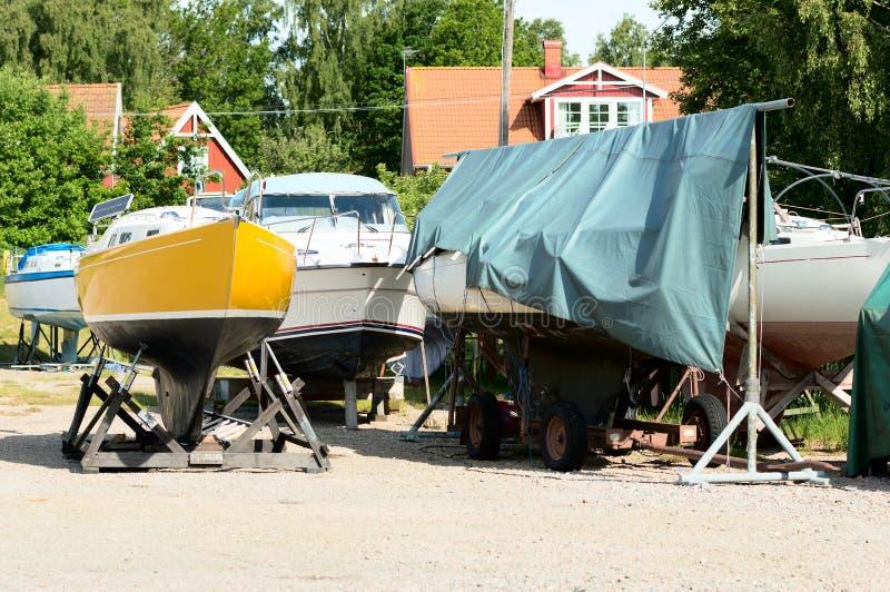Barcos en tierra foto de archivo libre de regalías