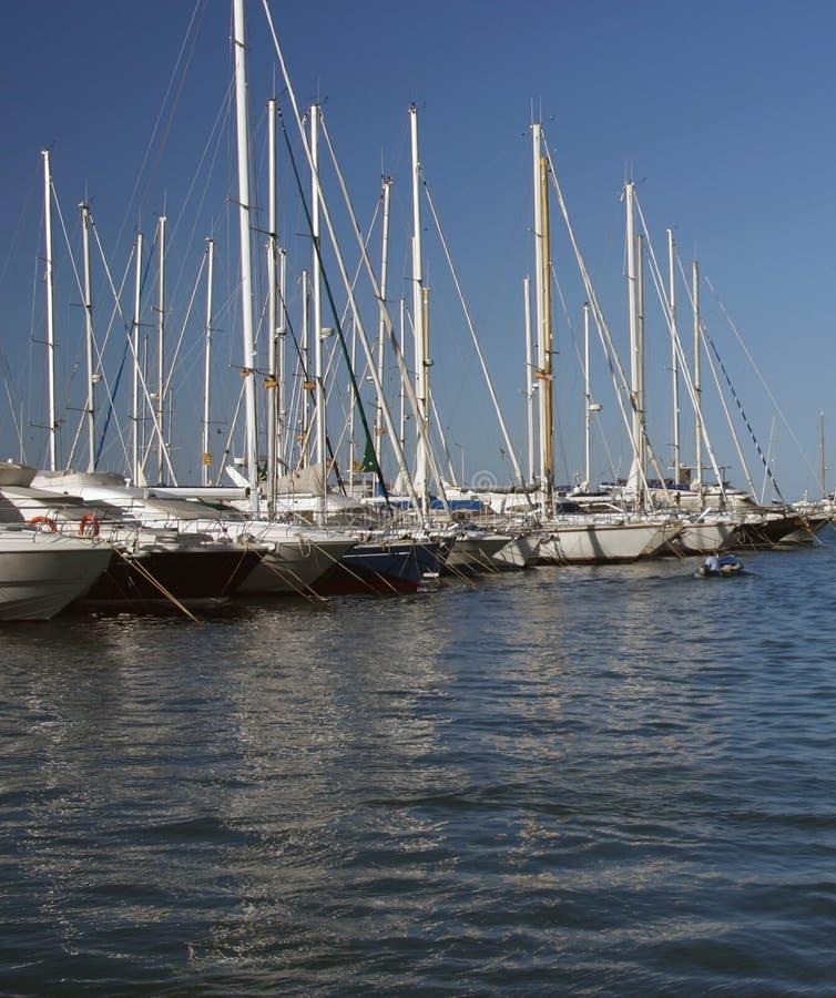 Barcos en una fila foto de archivo libre de regalías