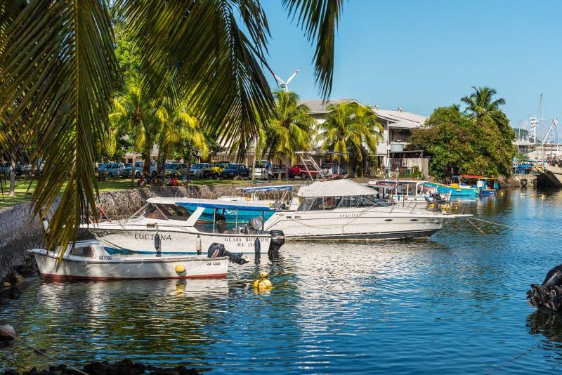 Barcos en Victoria Harbour, Mahe Island, Seychelles imagen de archivo libre de regalías