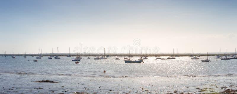 Barcos na água foto de stock royalty free