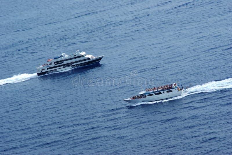 Barcos no curso da colisão w imagens de stock