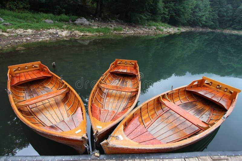 Barcos no lago imagens de stock royalty free