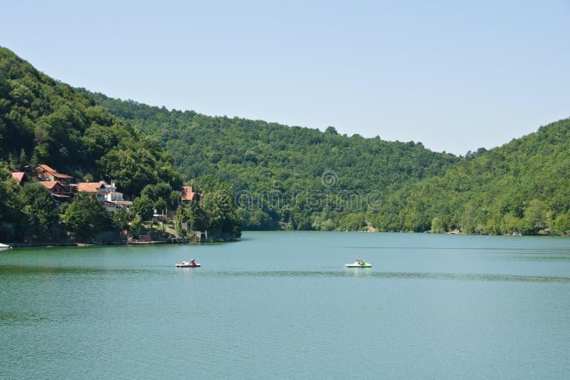 Barcos no lago Bovan fotografia de stock royalty free