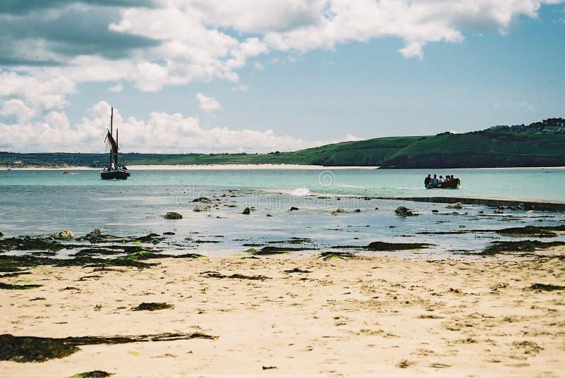 Barcos No Louro Em St Ives, Cornualha Fotografia de Stock