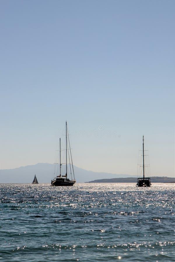 Barcos no Mar Egeu fotografia de stock