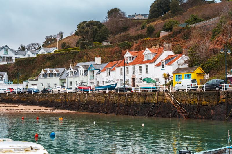 Barcos no porto de Rozel, jérsei, ilhas channel, Reino Unido, Europa imagens de stock royalty free