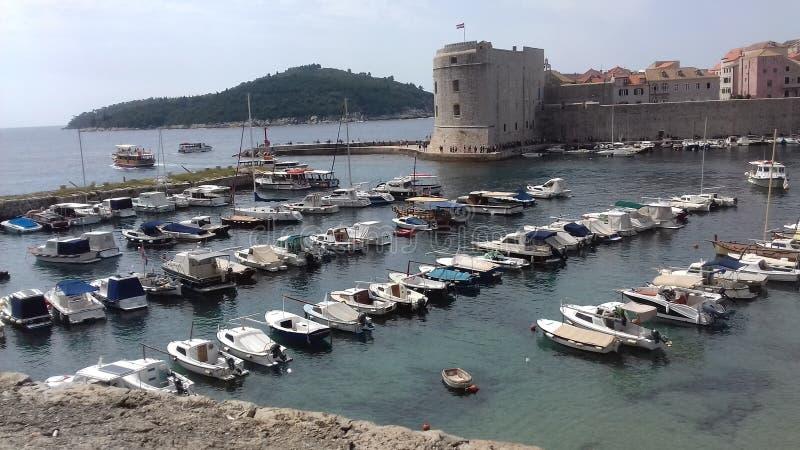 Barcos no porto, dubrovnik, croatia imagem de stock