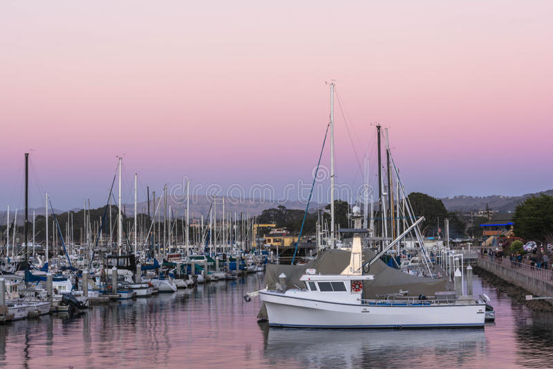Barcos no porto em Monterey imagem de stock royalty free