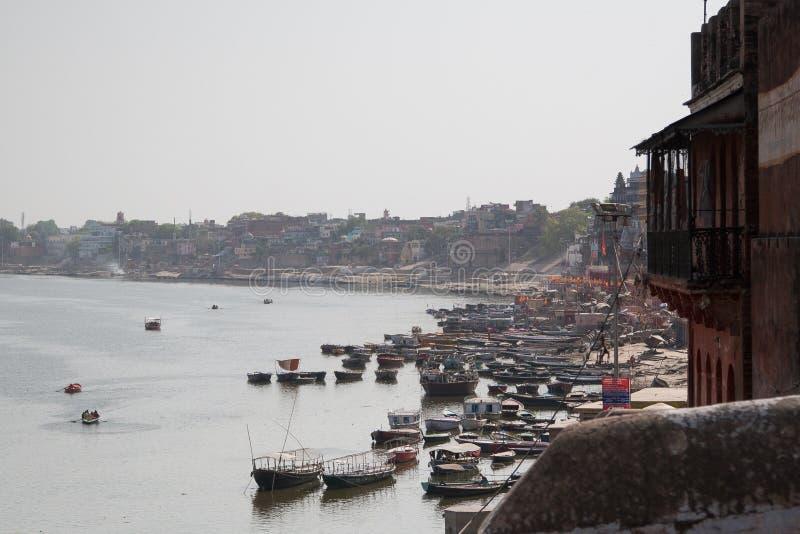 Barcos no rio de Ganga foto de stock royalty free