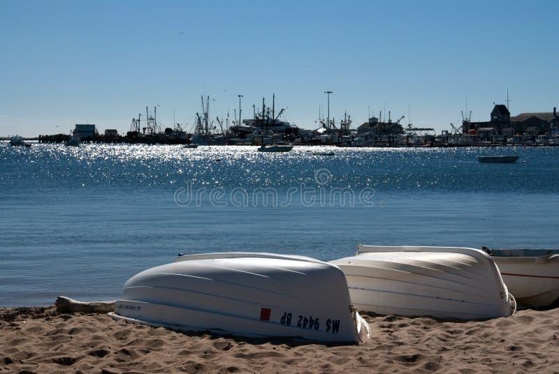 Barcos no seashore do bacalhau de cabo imagem de stock