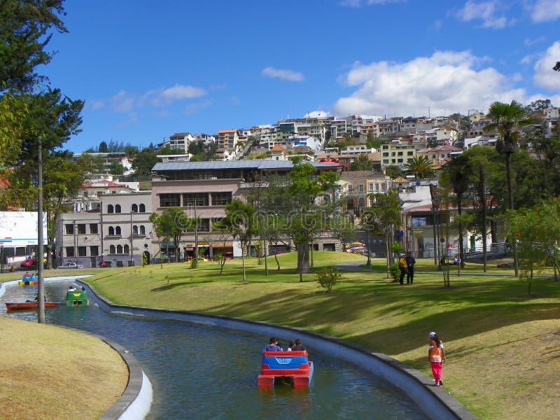 Barcos para el alquiler en el parque de Alameda del La, Quito, Ecuador imagenes de archivo