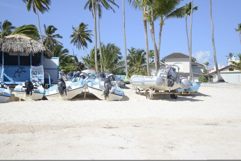 Barcos prontos para turistas imagem de stock
