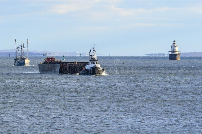 Barcos que aproximam New Bedford da baía dos busardos imagem de stock royalty free
