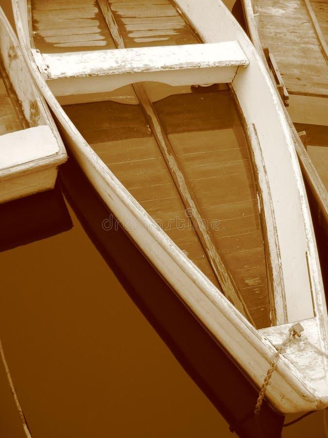 Barcos a remos do Sepia em Maine fotos de stock royalty free