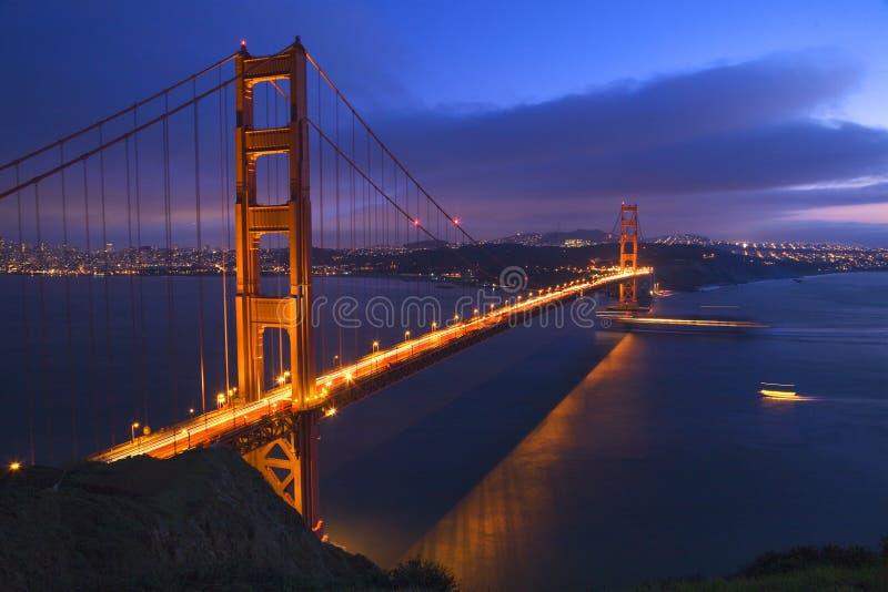 Barcos San Francisco del puente de puerta de oro fotos de archivo libres de regalías