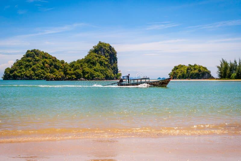 Barcos tailandeses, Krabi foto de archivo libre de regalías