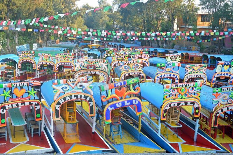 Barcos turísticos en Xochimilco imagen de archivo libre de regalías