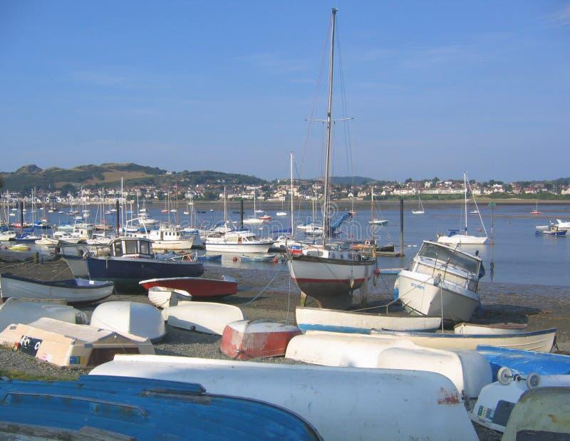 Barcos vueltos hacia arriba fotos de archivo libres de regalías