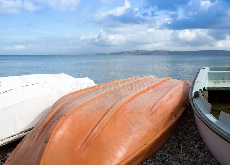 Barcos vueltos hacia arriba imagen de archivo libre de regalías