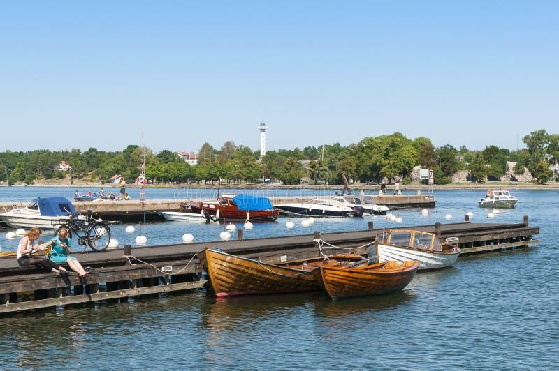 Barcos y jettys Vastervik fotografía de archivo