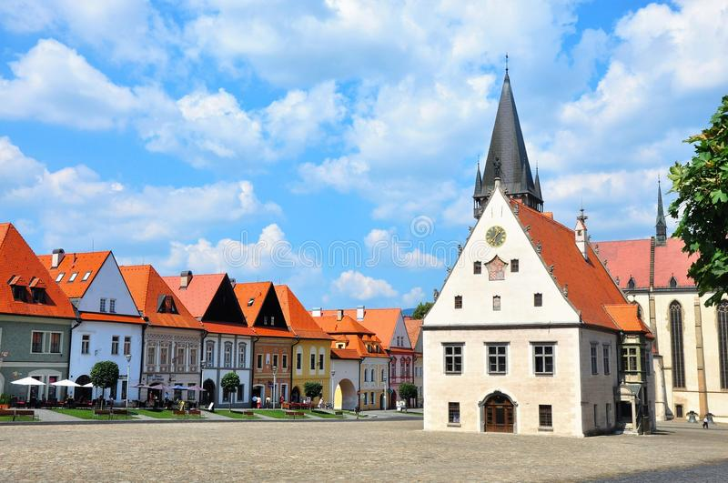 """Bardejov, †de Eslováquia """"21 de junho de 2016: Praça da cidade histórica em Bardejov imagens de stock"""