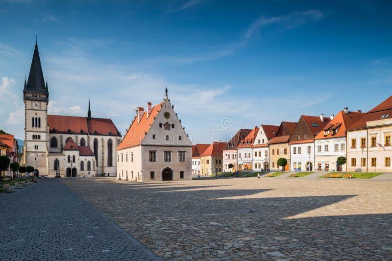 Bardejov, Slowakei Allgemeine Ansicht des alten Hauptplatzes lizenzfreie stockfotografie