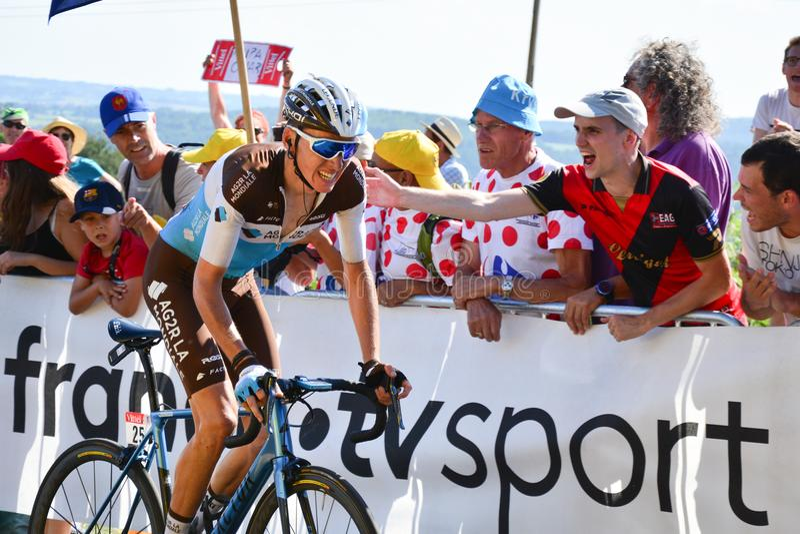 Bardet, das Tony Gallopinâ-€™s Fahrrad reitet stockfotos