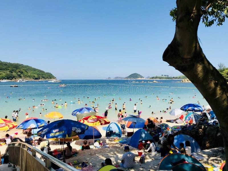 Bardzo gorący popołudnie w Jasnej wody zatoce fotografia stock